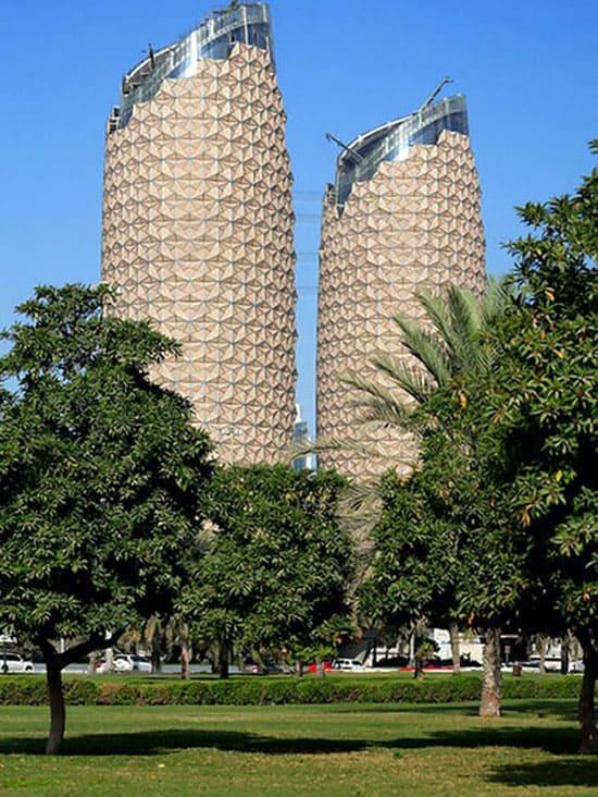 Башни-небоскрёбы Al Bahar