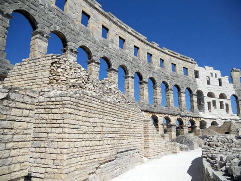 Амфитеатр в Пуле