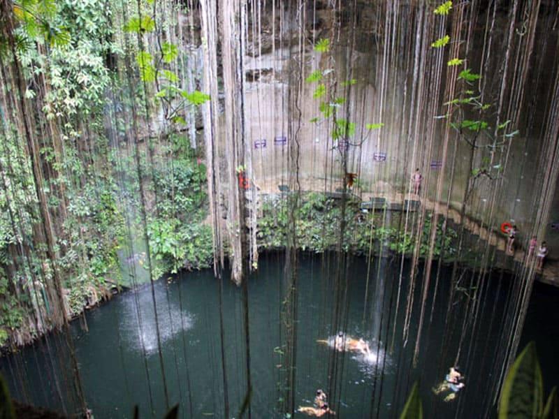 Природный колодец Сенот Ик-Киль