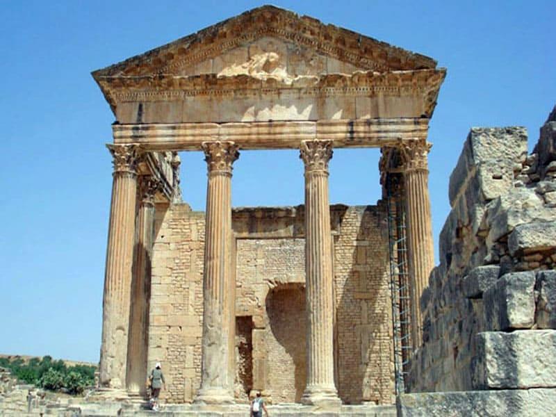 Руины города Дугга