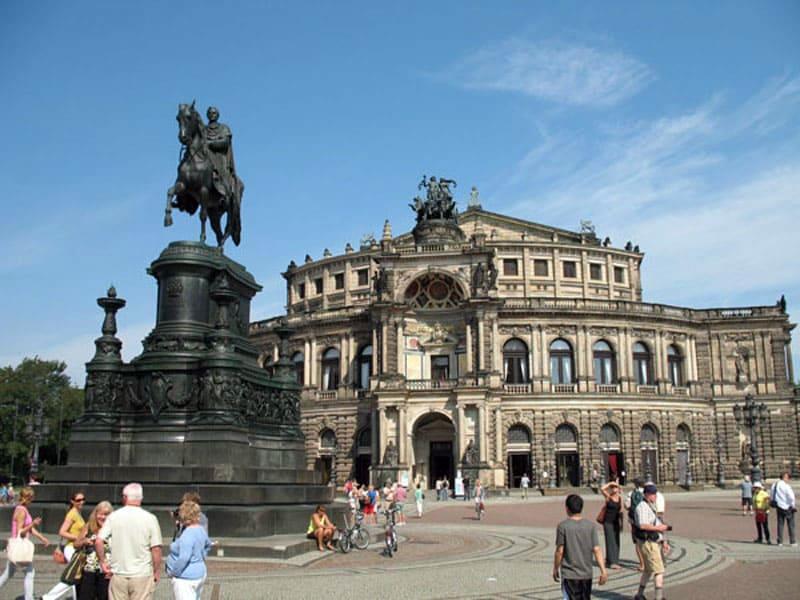 Дрезденская опера