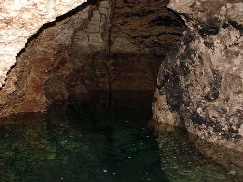 Пещера Эмиль Раковице (Золушка)