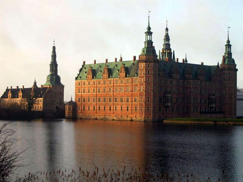 Дворец Фредериксборг