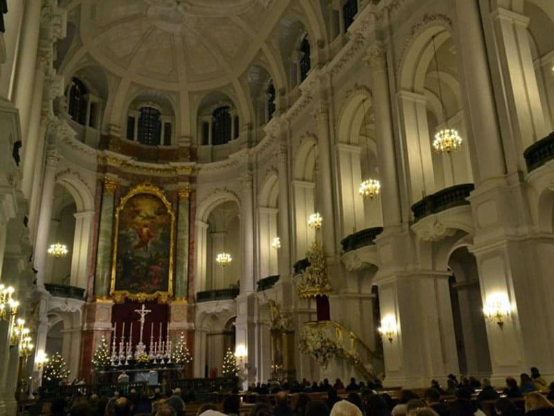 Дворцовая церковь (Хофкирхе)