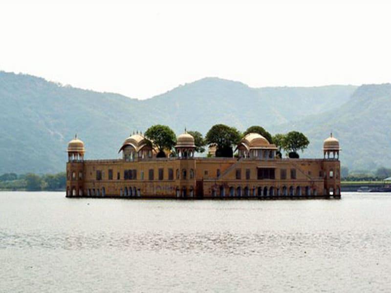 Дворец Джал-Махал