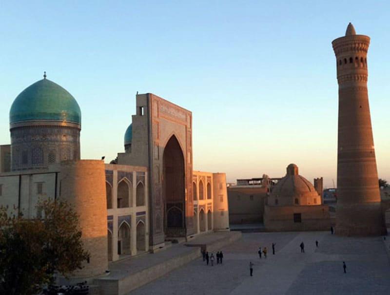 Мечеть Калян с минаретом
