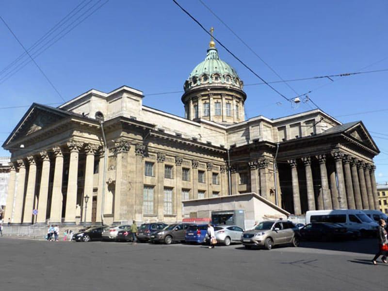 Казанский собор с обратной стороны