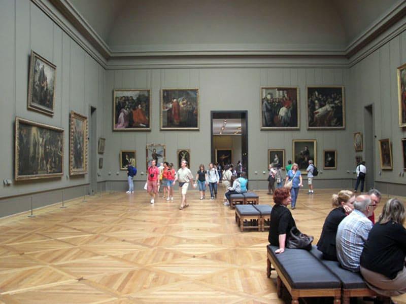Один из залов Лувра