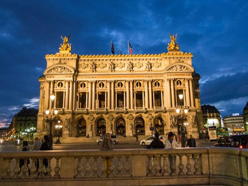 Опера Париж