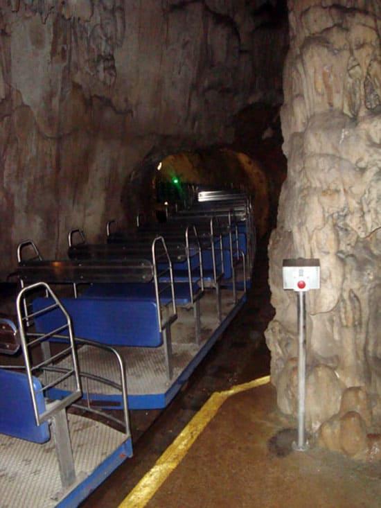 Пещера Постойнская яма
