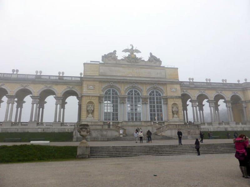 Глориетта в парке дворца Шёнбрунн