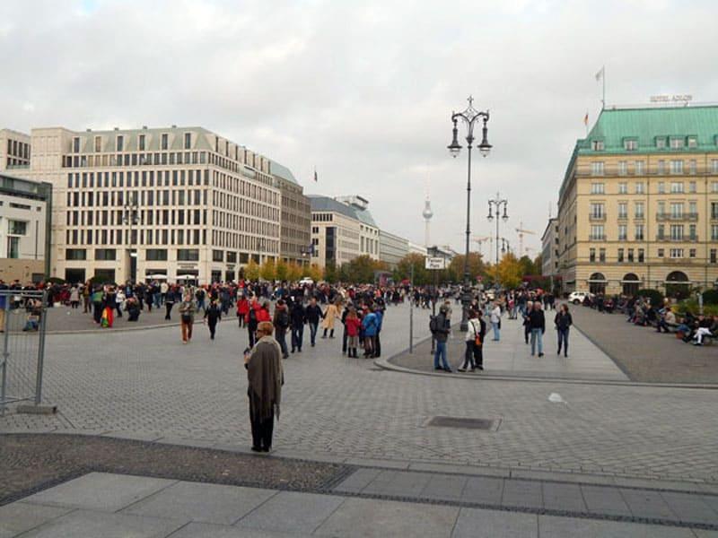 Улица Унтер ден Линден