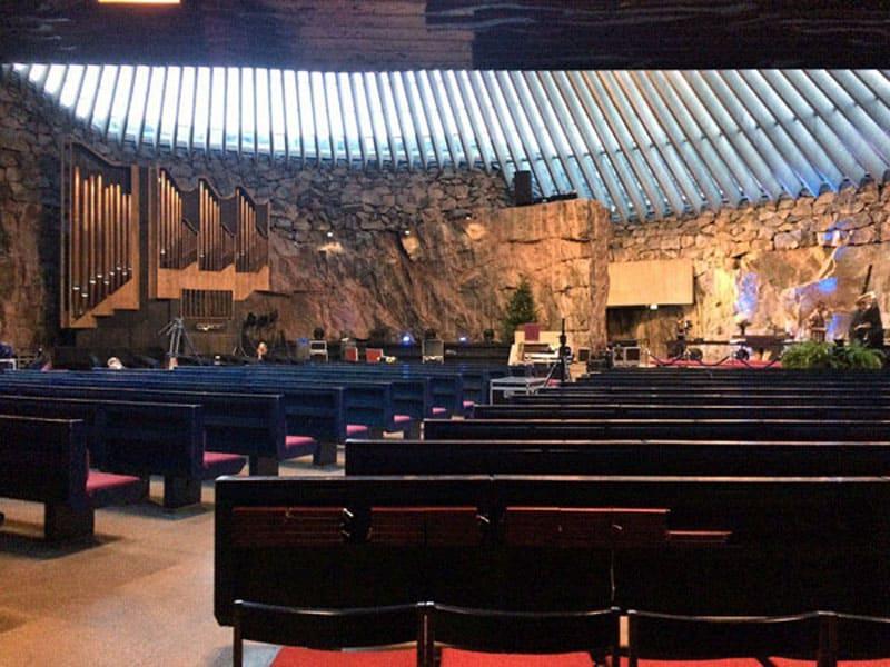 Церковь Темппелиаукио (в скале)